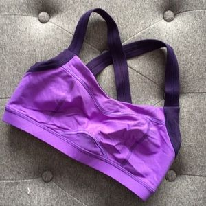 Lululemon sports bra; size 6